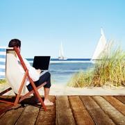 laptop_vacation_700x400